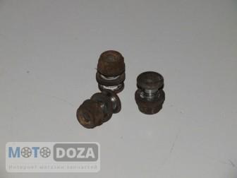 Болты крепления тормозного диска AD(3 шт.) б/у