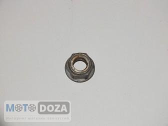Гайка заднего колеса d=12 mm б/у